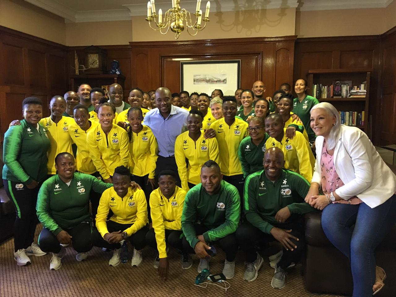 DA takes Banyana Banyana on tour of Parliament