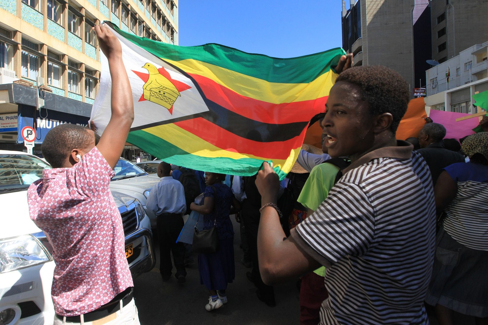 DA to approach the ICC over human rights violations in Zimbabwe if Ramaphosa fails to act