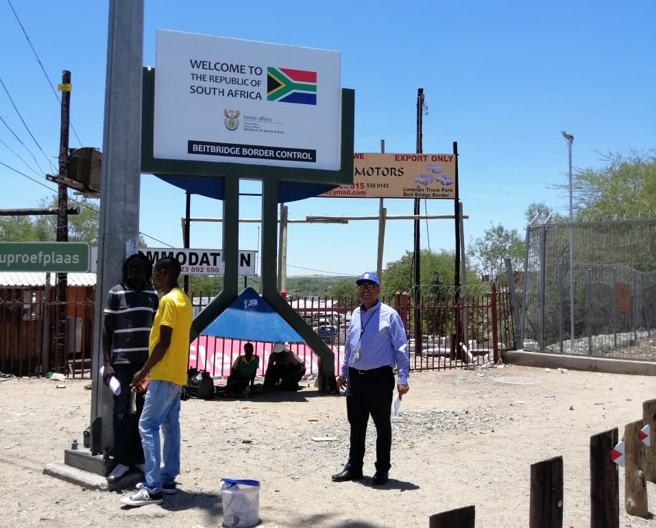 Beit Bridge Border Post in a melt-down as Zimbabwean nationals seek refuge in SA