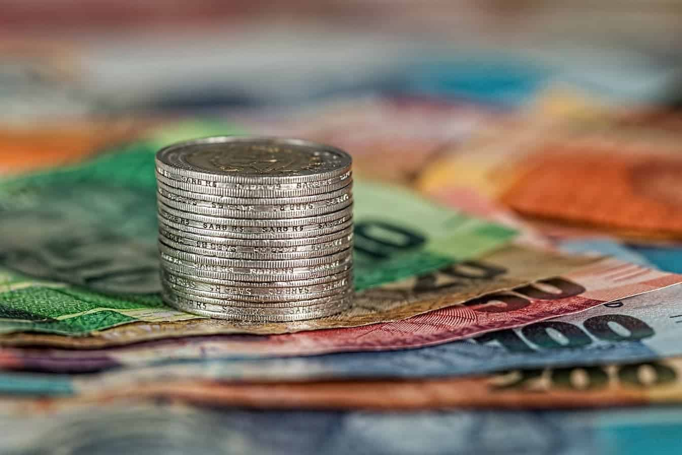 Government adopts DA proposal for cutting the public wage bill