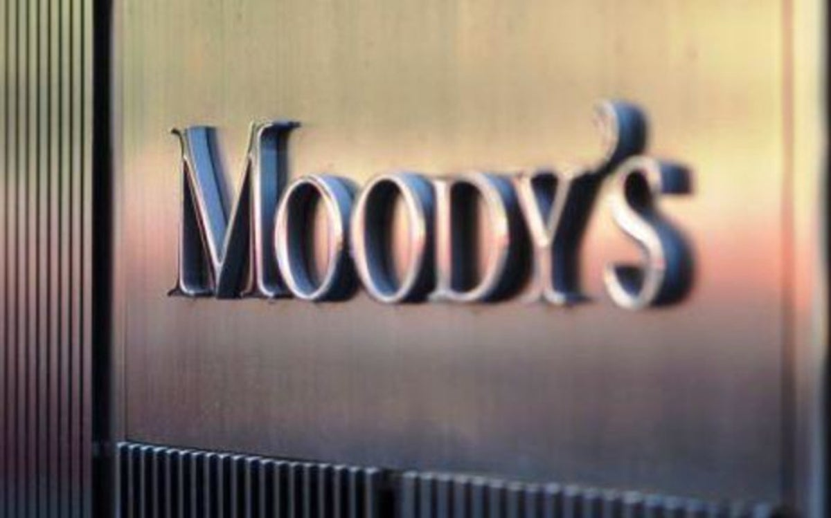 Moody's downgrade: Mboweni should table urgent new budget after lockdown