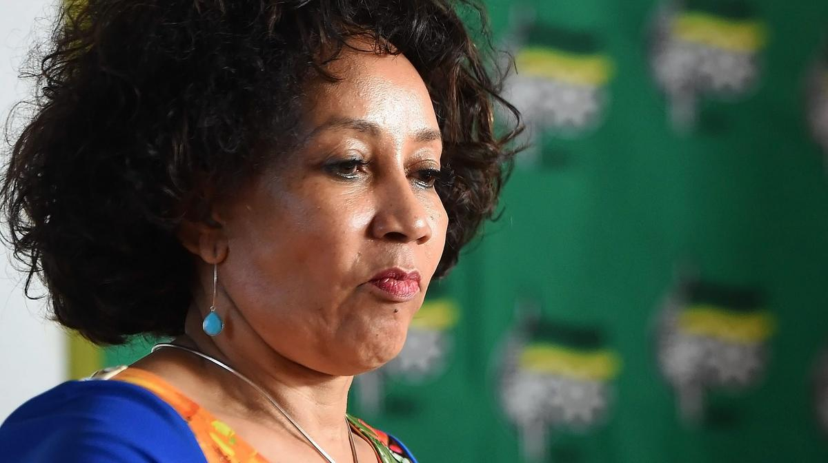 Minister Sisulu evades questions on political interference and conflict of interest at Amatola Water Board