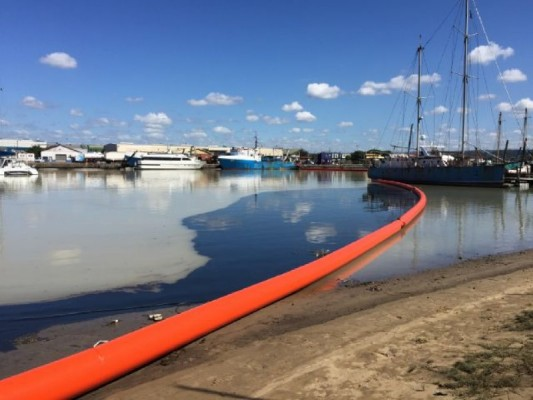 Catastrophic oils spill endangers Durban's fragile ecosystem