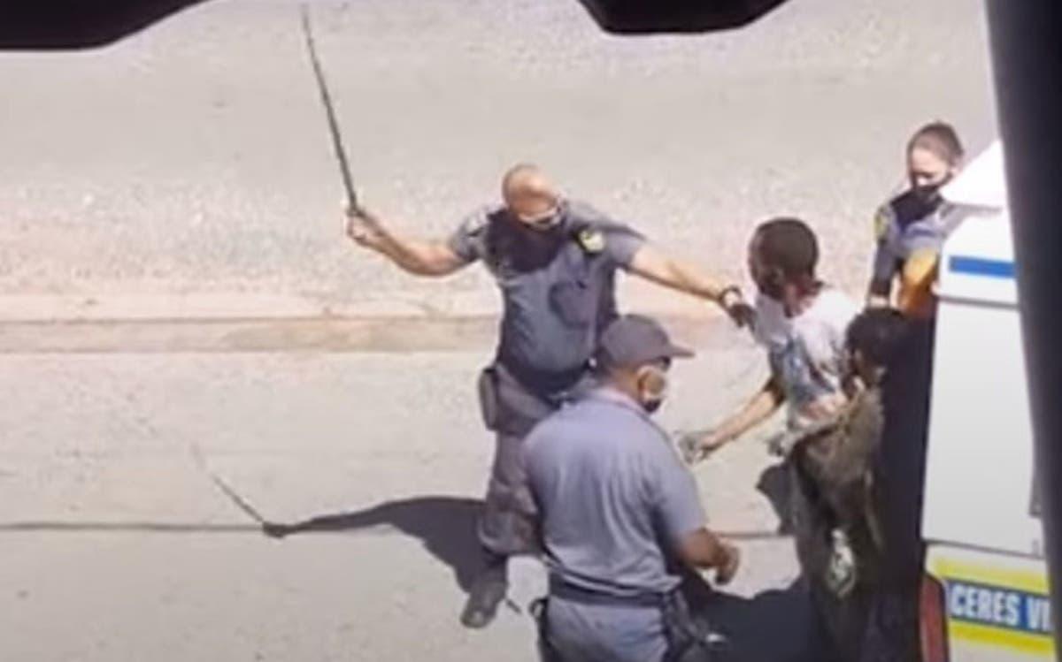 SAPS must arrest 'Sjambok Cop' Immediately