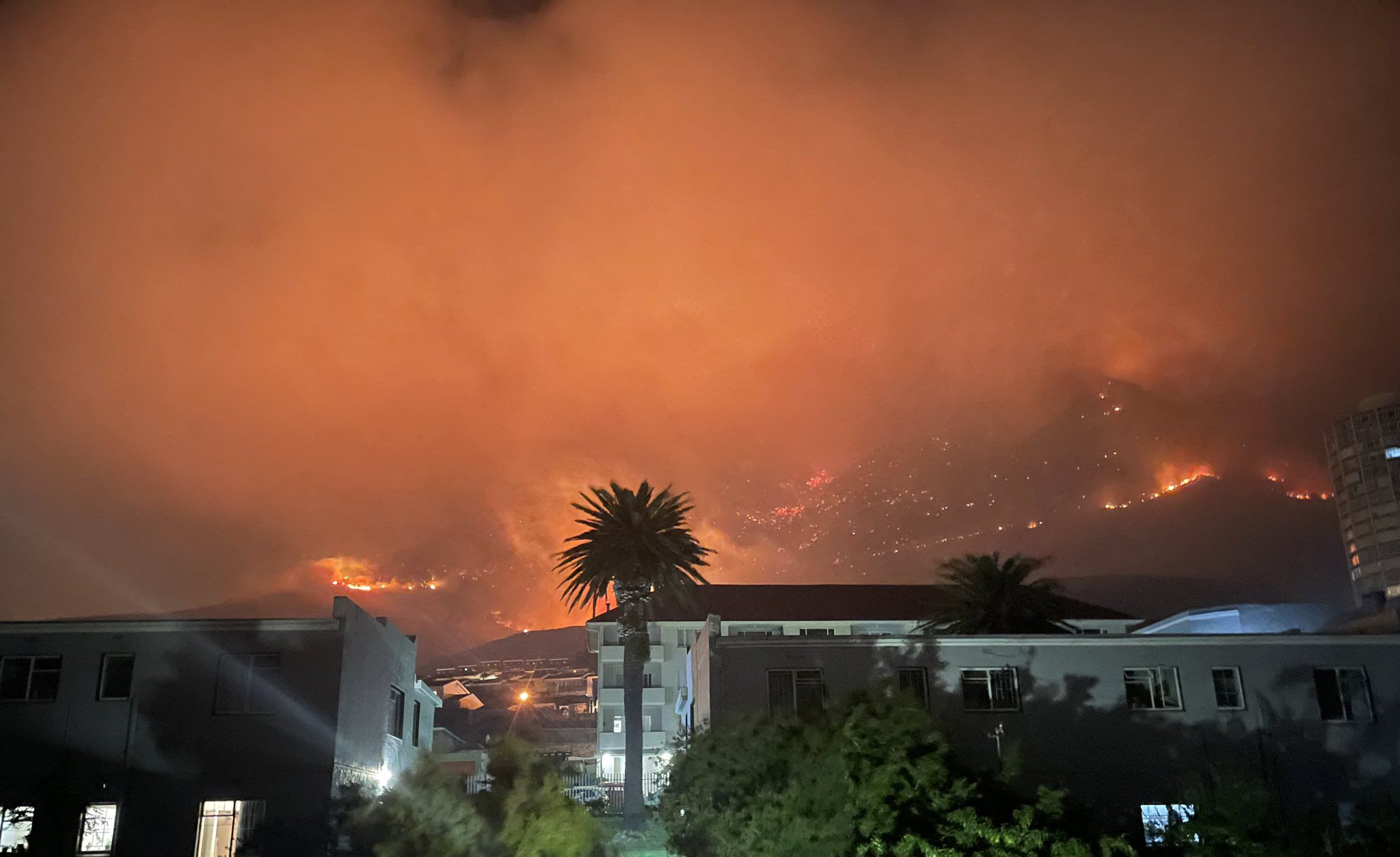 DA calls for independent investigation into Cape Town fire