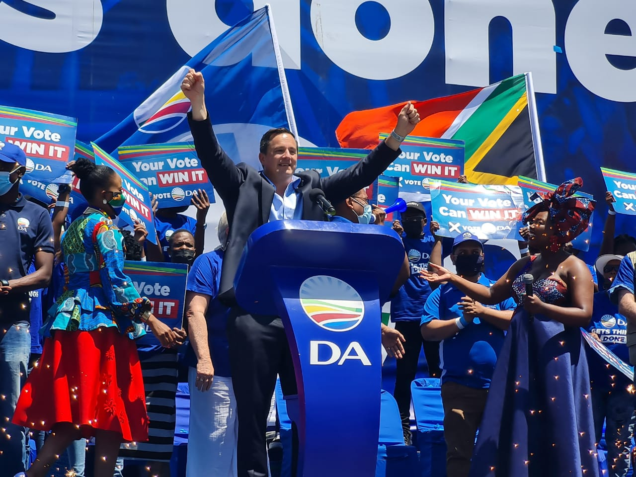 Vote for the only party that gets things done. Vote DA!