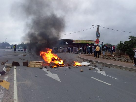 ANC Anarchists are burning down Gauteng while Mashaba and Mokgalapa work to serve the people