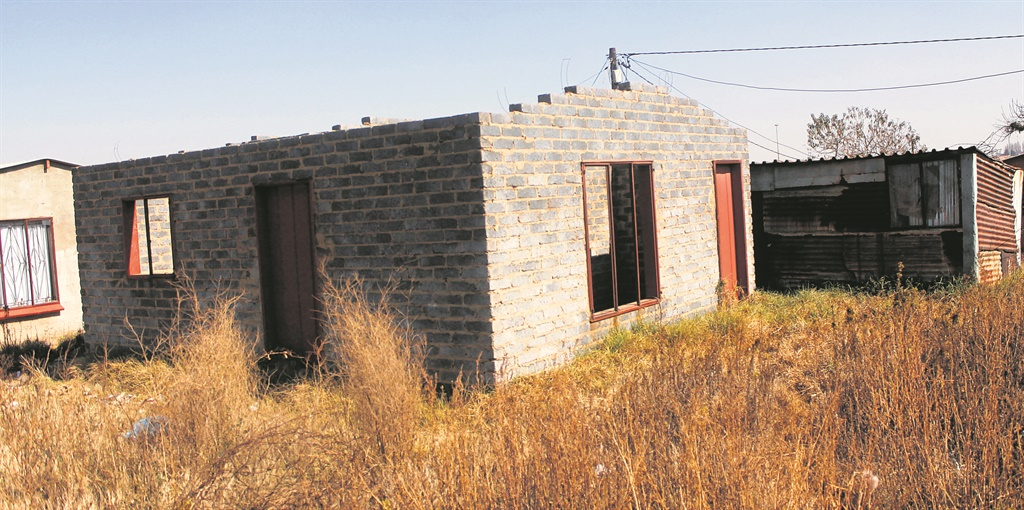 DA urges MEC Maile to finish incomplete RDP houses in Winne Mandela, Tembisa