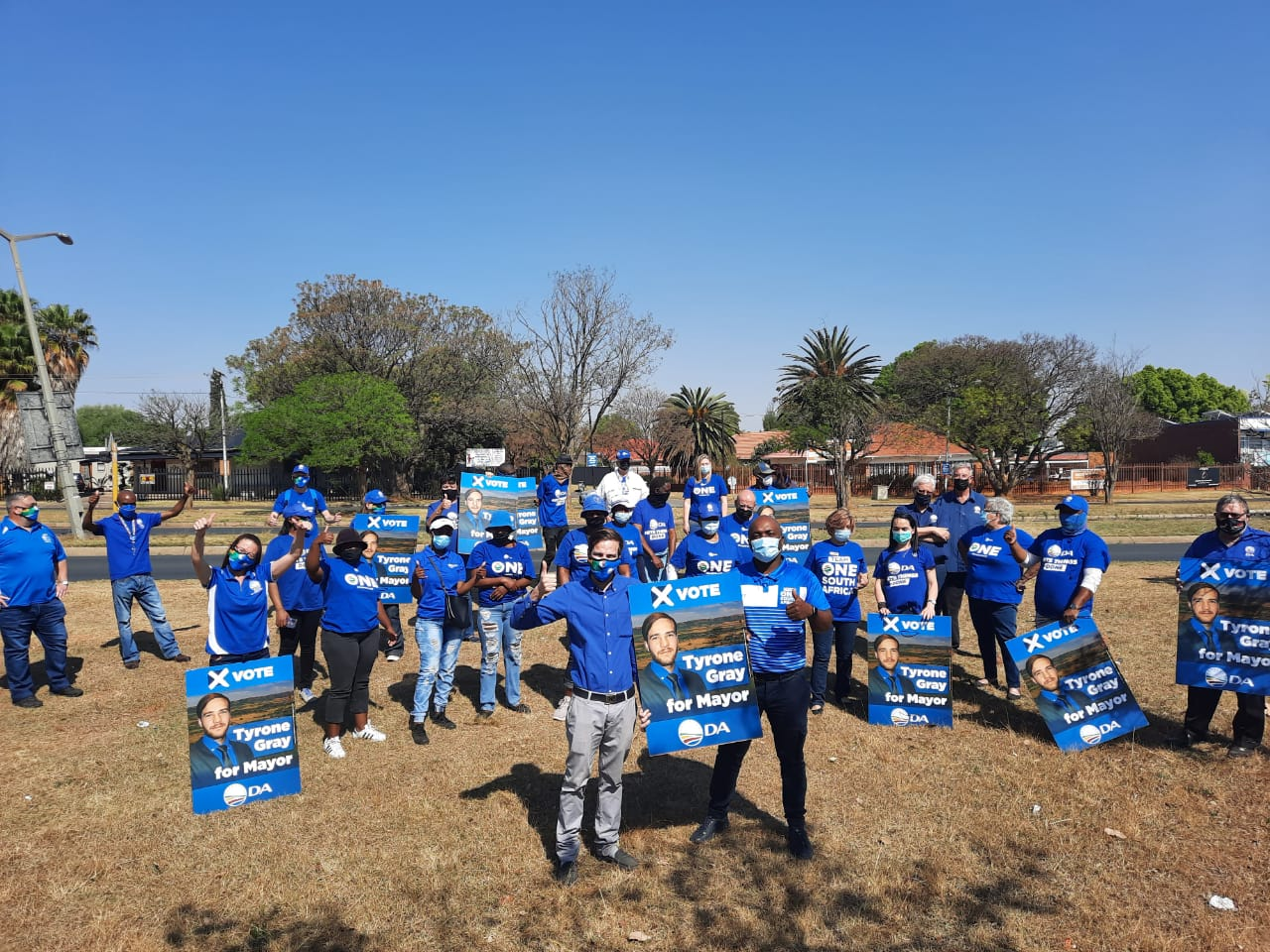 DA mayoral candidate, Tyrone Gray, flights first campaign poster to win Mogale City